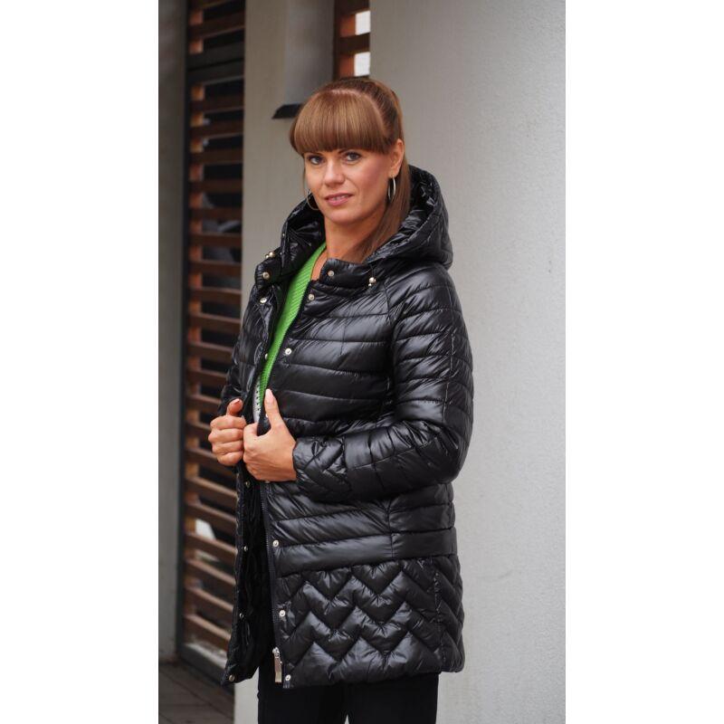 Steppelt hosszított kapucnis átmeneti kabát fekete