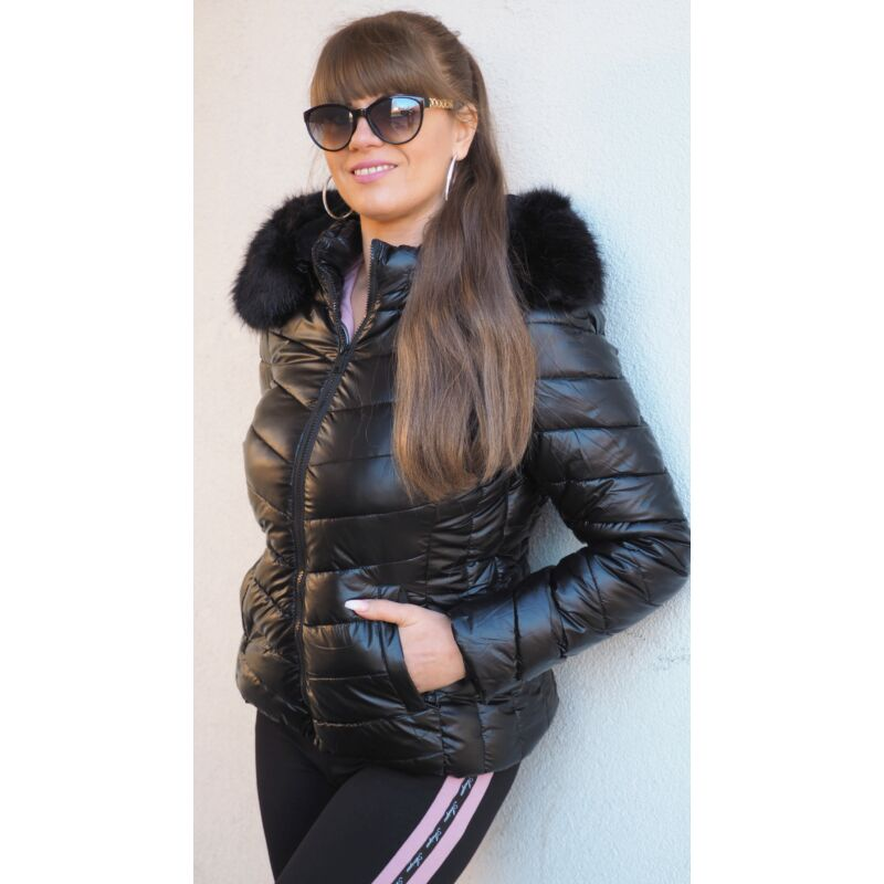 Fekete téli dzseki levehető kapucnival