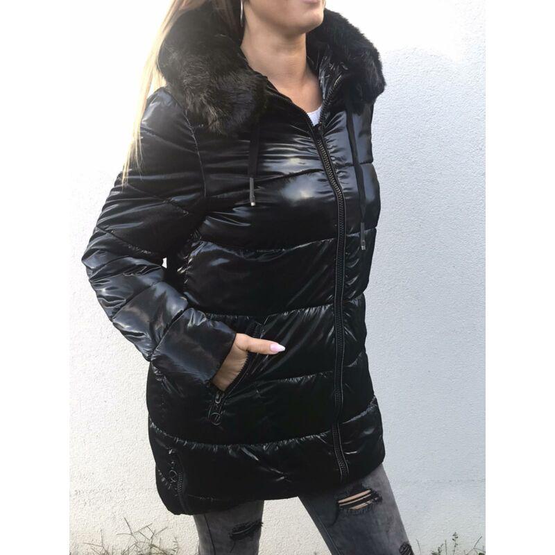 Fekete kapucnis téli kabát