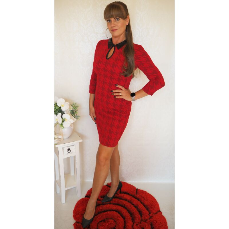 Extyn piros ruha bőr gallérral XL-es méret