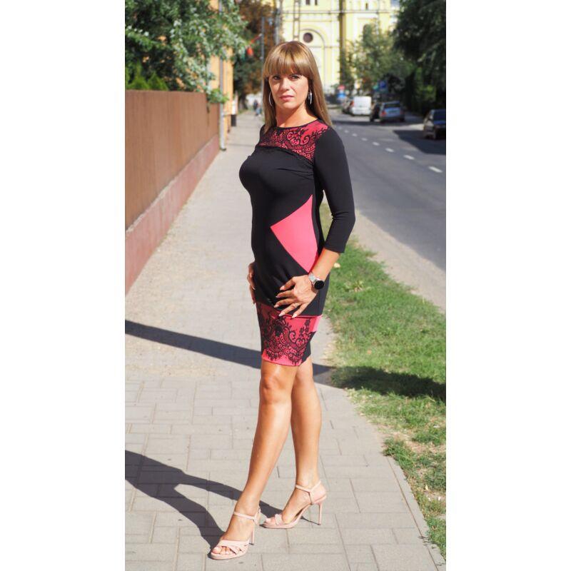 Fekete rózsaszín betétes ruha csipkével