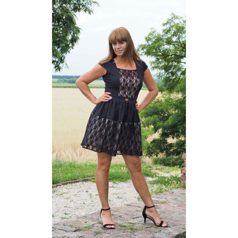 Fekete csipke betétes loknis aljú ruha 40-es méret