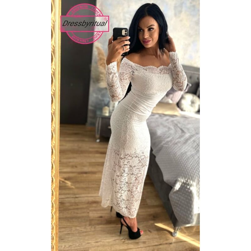 Hosszú fehér csipke ruha